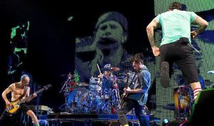 RHCP Concert (St. Louis, Missouri – May 25, 2012)
