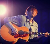 Larazon.es: Interview with Josh Klinghoffer